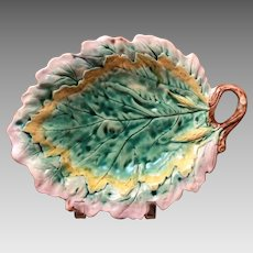 Etruscan Majolica Oak Leaf Dish - Signed Griffin, Smith & Hill