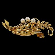 Elegant Vintage Natural Style Gold and Pearl Brooch c. 1960