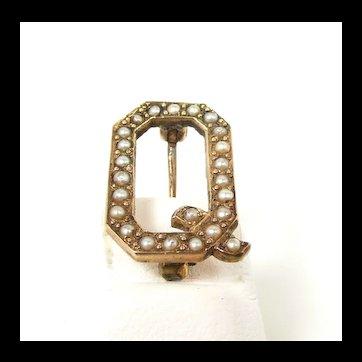 "Cute Victorian Initial Pin ""Q"" c. 1880"