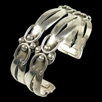 Marvelous Maricela Double Oval Cuff Bracelet c. 1960