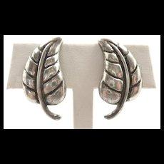 Adorable Los Castillo Leaf Earrings #560 c. 1955