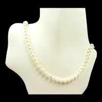 Classic Pearl Necklace with Gold c. 1990