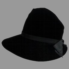 Black Velvet Brimmed Semi-Stovepipe Hat.  PALMER CREATION.  Super Quality.  Super Timeless Chic.  As New Condition.