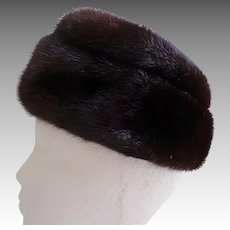 Top Quality. Female Pelts.  Canadian Mink Hat.  Chocolate Brown.  Modified Pillbox Styling.  Mint Condition.