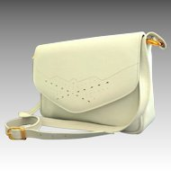 White Genuine Leather Purse. Top Quality. Made in Canada.  As New Condition.
