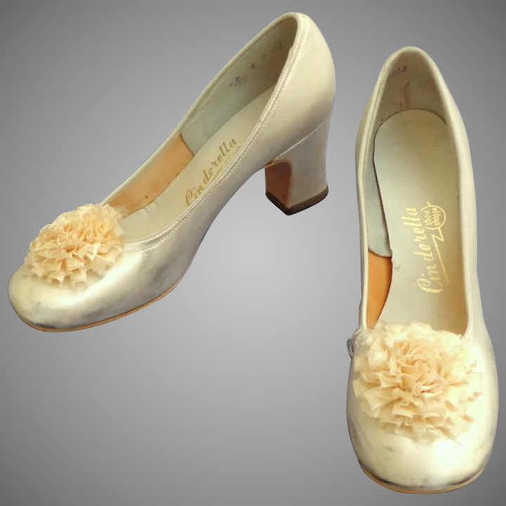 White Satin Wedding Shoes with Clip On Pompoms  1969  Very Small  Adorable