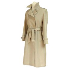 LONDON FOG Classic Trench Coat / Trenchcoat.   Tan.  Size 14 M.  Mint Condition. - Red Tag Sale Item