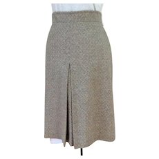 Elegant Wool Skirt. Gray.  Slight A-line.  Front Box Pleat.  Custom Made.  Mint Condition.