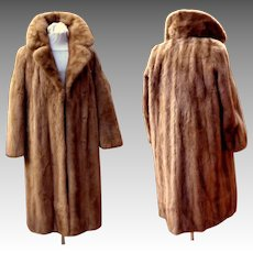 Full Length Canadian Honey Mink Fur Coat.  Top Quality.   Mint Condition.