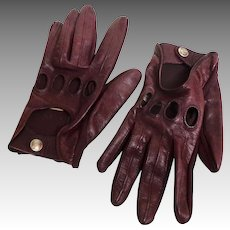 Driving Gloves.  Genuine Leather.  Wine Color.  Size M.  Mint Condition.