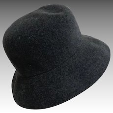 KANGOL Hat.  Wool. Made in England.  Famous Brand. Dark Gray.  As New Condition.