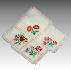 12 Cocktail / Luncheon Napkins. Embroidered. Charming.  Perfect Condition.