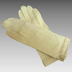 French Kid Gloves.  White.  Elegant Detail.  White.  As New.  6 1/2 Washable.  Instructions.