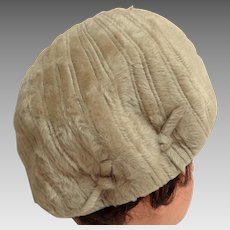 HELEN YOFFE Hat.  Bubble Pillbox.  Made in Northern Ireland.  Brushed Wool Fur Felt.  Baize.