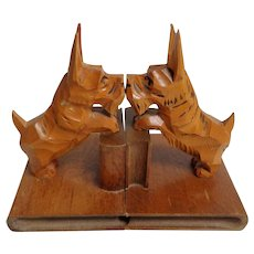 Scottie Dog Carved Wooden Bookends.  Felt Bottoms.  Charming.  Mint Condition.