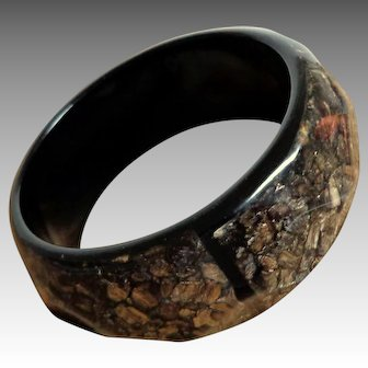 Spectacular Faceted Lucite Black Bangle with Imbedded Silver Flakes.  Mint Condition.