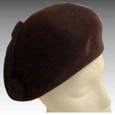 HELEN YOFFE Scupltured Chocolate Brown Fur Felt Hat / Tam.  As New Condition.