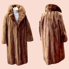 Full Length Canadian Honey Mink Fur Coat. Top Quality. Mint Condition.