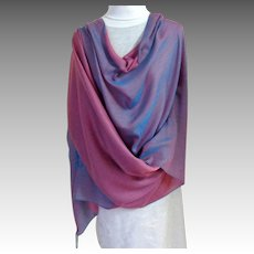 Nepalese 100% Water Shawl.  Silk & Pashmina.  Large.  2 Tone Mauve & Rose.  As New Condition.