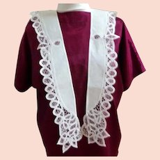 Battenburg Lace Collar.  White. Unusual Design.  V. Long Tails.  As New Condition.
