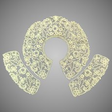 Vintage Wide Lovely Lace Collar with Matching Cuffs.  Perfect Condition.
