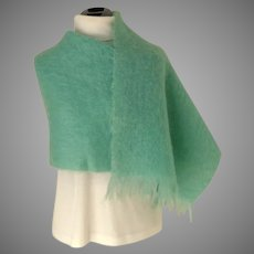 HEATHER DOWN Scotland Mohair Throw / Blanket Scarf / Pashmina.  Mint Green.  Luxurious Quality.  As New Condition.