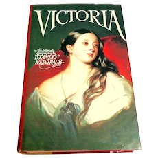 VICTORIA.   An Intimate Biography.   Illustrated.  1st Edition.  1987.