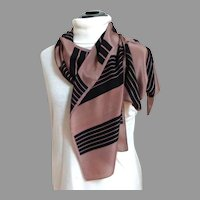 BILL BLASS Designer Scarf.  100% Silk.  Classic Elegance.  Mint Condition.