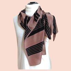 BILL BLASS Designer Scarf.  100% Silk.  Classic Elegance.  Mint Condition.