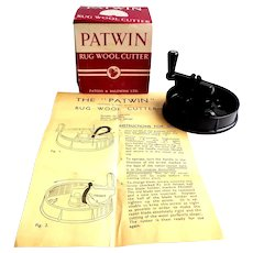 Bakelite.  Patwin Rug Wool Cutter.  1930.  Mint Condition in Box with Instructions.  Made in Britain.