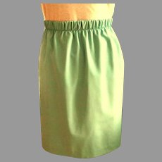 Mini Skirt.  Polyester Straight Cut Underlined.  Mint Green.  1980. Simple Elegance.  As New Condition.