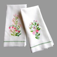 Two Tiny Cross Stitch Embroidered Linen Guest Towels.  Unused.  Quality.  New Condition.
