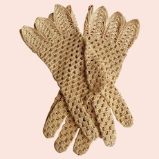 Crocheted Gloves.  Light Tan / Ecru.  Unusual Pattern.  Size Approx. 7.  Mint Condition.