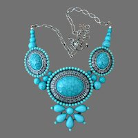 Vintage Faux Turquoise and Silver Tone Necklace.  Gorgeous.  Mint Condition.