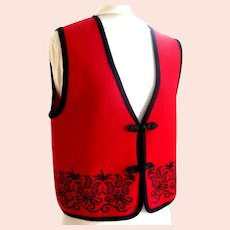 100% Wool Vest.  Black Accents.  As New Condition.