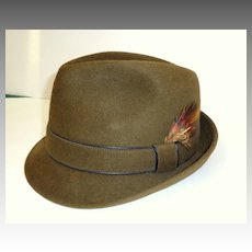 Man's Snap Brim Fedora Hat.  Olive Green Velour / Fur Felt.  Totally elegant! 1950's - 60's.  Perfect Condition!