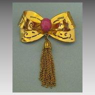 Pretty Vintage Coro Glass Cabochon Bow Dangle Tassel Brooch