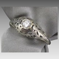 Art Deco 18K White Gold Filigree Diamond Ring