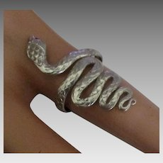 Vintage Sterling Textured Snake Ring with Onyx Eyes