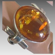 Attractive Vintage Sterling Baltic Amber Ring