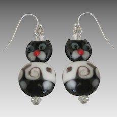 Charming Art Glass Cat Sterling Silver Pierced Earrings