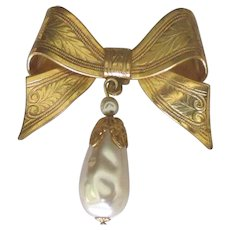 Signed Miriam Haskell Bow with Glass Pearl Dangle Brooch