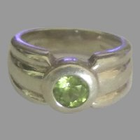 Attractive Vintage Sterling Peridot Ring- Size 6