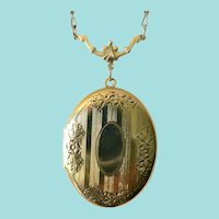 1940's Victorian Revival Oval Engraveable Locket