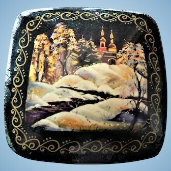 """Russian Hand Painted Lacquer Wooden Snow Scene / Cathedral Pin """"Zuma"""" Exquisite"""