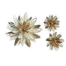 1960's Vtg. Sarah Coventry Enamel Flower Pin & Earring Set Dimensional Water Lilies