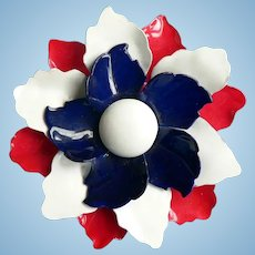 1960's Retro Flower Power Enamel Pin Red / White / Blue Enameled Layered Flower