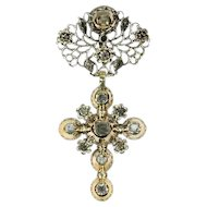 Solid gold mid 18th century cross with table cut rose cut diamonds - ca. 1750