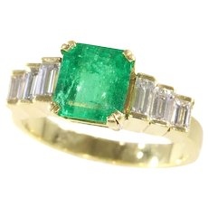 French Estate Engagement Ring with High Quality Colombian Emerald and Baguette Diamonds, 1980s - FREE Resizing*