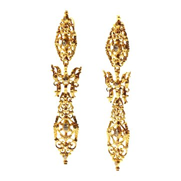 300 yrs old Antique long Pendent Earrings with Rose Cut Diamonds High Carat Gold, 1730s